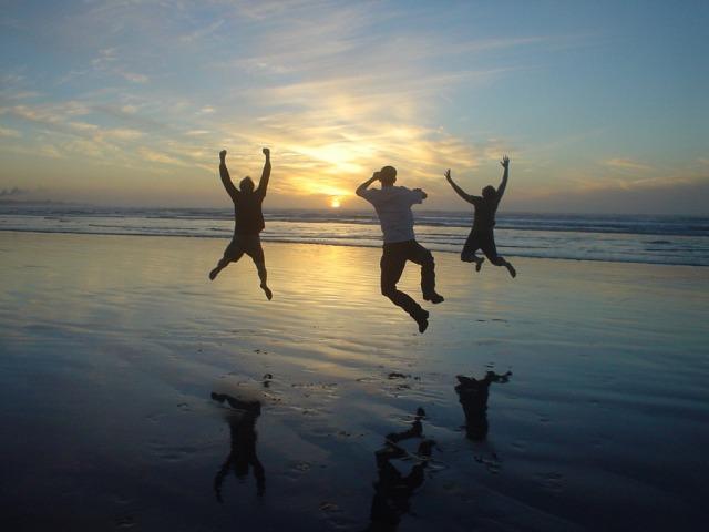 guys-jump